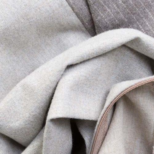 pantalon din lana cu talie inalta din doua combinatii de materiale
